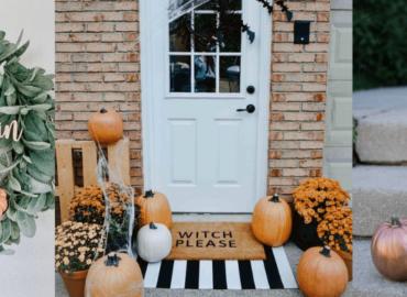 Jesienne dekoracje drzwi wejściowych
